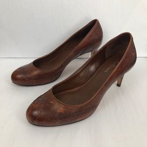 Cole Haan Wingtip Leather Round Toe Pumps